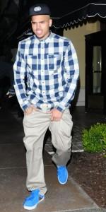 Chris Brown forlader restauranten Maggiano's i Hollywood