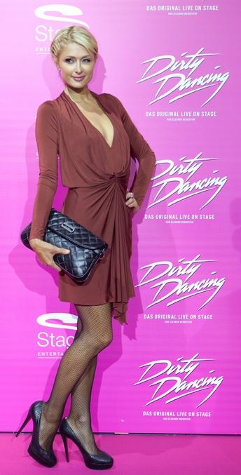 Paris Hilton elegant klædt til musicalen Dirty Dancing