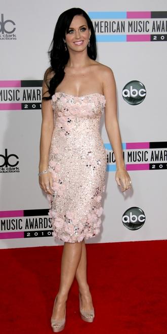 Katy Perry på den røde løber til American Music Awards