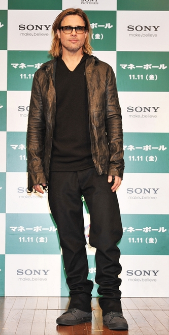 Brad Pitt til pressekonference for Moneyball i Japan
